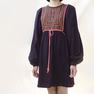 BajuTua / Vintage / 70's Black Embroidered Small Dress