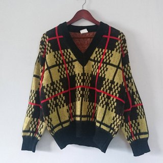 """Shan Huang 槴"" 2 - vintage - sweaters"