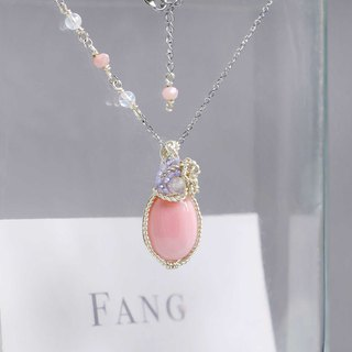 [Summer Sakura] Queen Snail / Moonstone / Pink Opal / Cordierite Necklace