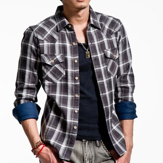 Gray / white mixed color plaid long-sleeved denim shirt wooden buckle thick / thin coat