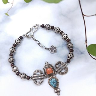 [Unique commodity] old turquoise*coral*sandalwood * 925 old silver bracelet