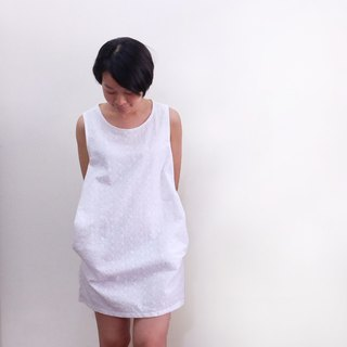White apple pocket pocket smock dress embroidery cotton lace