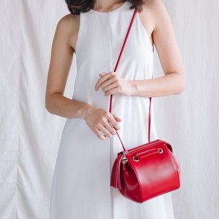 CUDDLE - WOMAN MINIMAL LEATHER SHOULDER BAG- RED