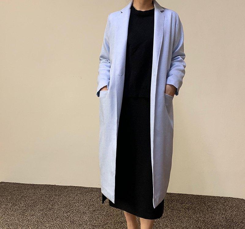 淺藍長版西裝外套