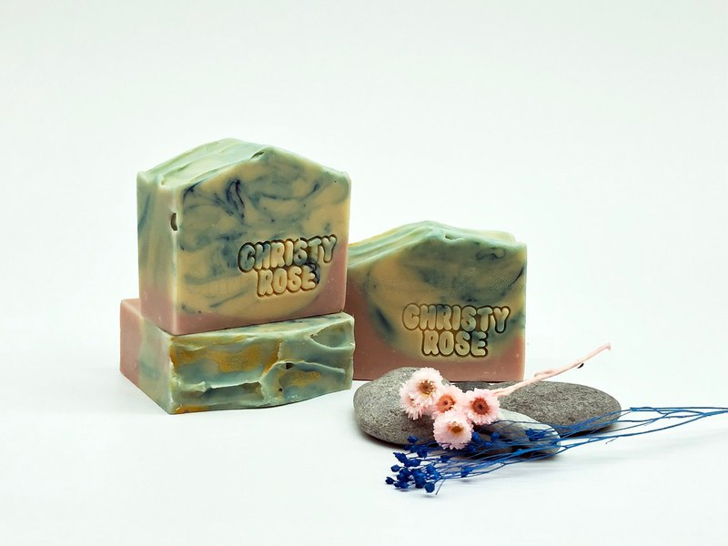 Purple love lavender handmade soap neutral / dry / sensitive skin apply