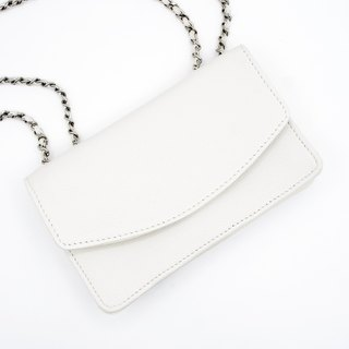 Charming white classic handmade evening bag dual leather mix and match metal leather mix and match straps can adjust a variety of back method