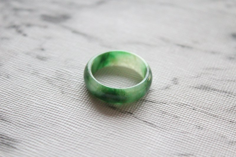 Journal-Life is rich and hot, green hand-carved pure natural A goods jade (Burma jade) ring ring