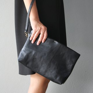 Simple Leather Wristlet Clutch Bag / Black Leather Purse