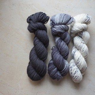 Hand dyed the line. Black and white series 3 twisted wire combination (Sport ultra-washed blue-faced sheep)