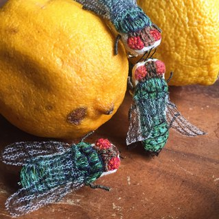FLY / Hand Embroidery Pin Brooch