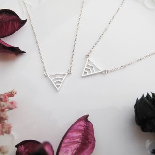 Big staff Taipa [manual silver] geometry × girlfriends × inverted triangle sterling silver necklace