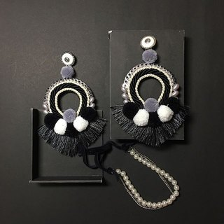 earrings : tribal circle black