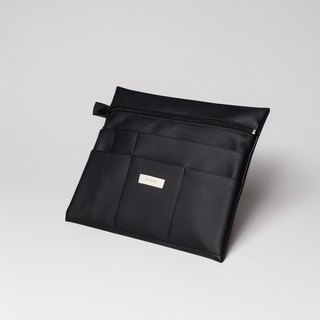 Large pouch in black