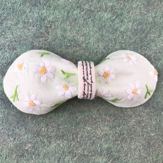 Needle Time Series - Margaret Bow Hair Clip (Green Base)