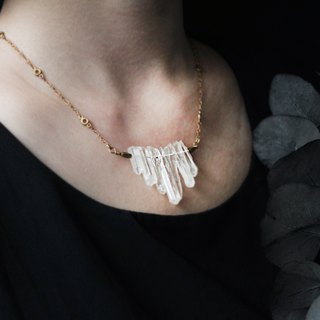 Net | Crystal White Crystal Ore Necklace