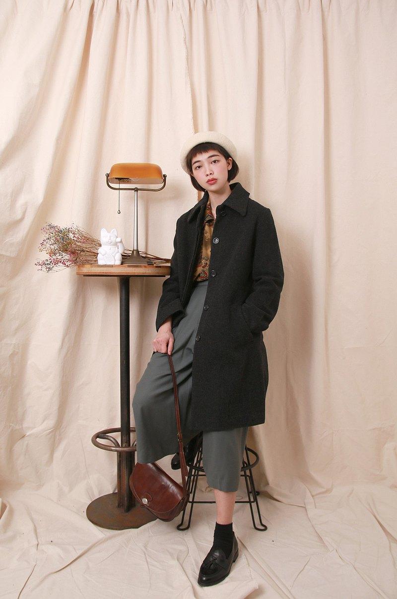 Back to Green:: 羊毛大衣 鐵灰黑 日本製 vintage overcoat