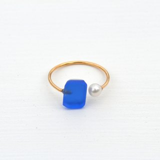 Glass and pearl ring <blue>