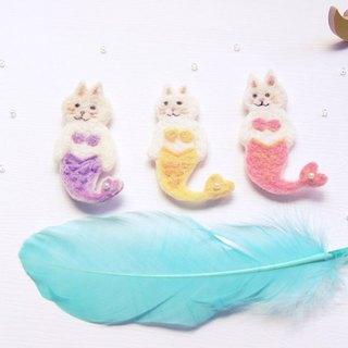 Cat pearl Mermaid Felted wool Embroidery illustration pin(1P)