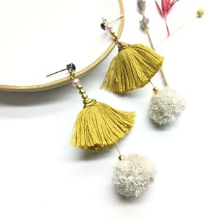Laurin grocery Travelin - Japanese embroidery handmade wool ball tassel pearl earrings / can be changed folder / hairy ear dress / mustard yellow