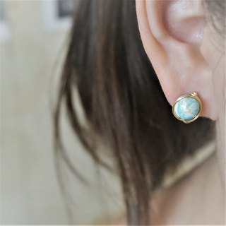 << Gold wire frame ear pin - Japan processed turquoise >> 8mm (with ear clips)