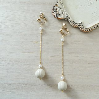 German made beads shake Ivory Earrings