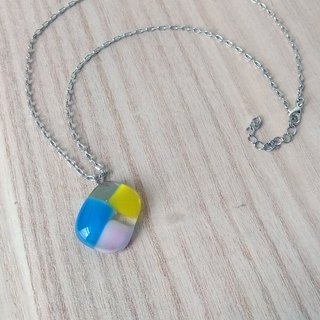 Colorful melody glass necklace / clavicle chain