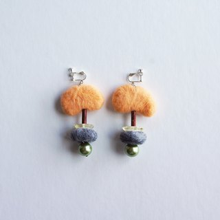 Jack's Magic Bean Hand Stereo Wool Earrings III Wear/Clip