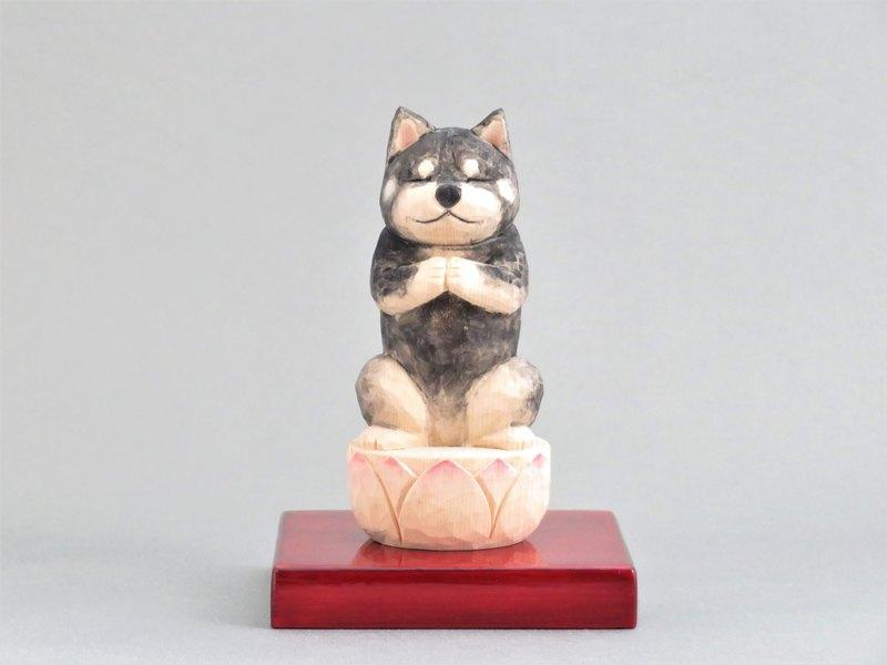 木雕佛像祝福黑色Shiba Inu狗佛1906年