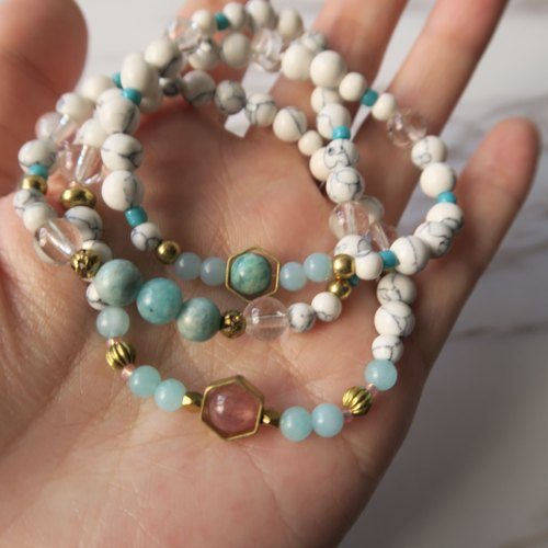 Pure heart ∞ small hand material strawberry crystal day river stone white crystal white turquoise marble hexagonal brass female surname three circles lap necklace bracelet gift