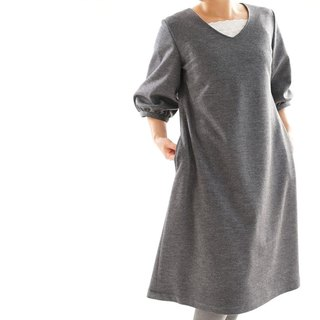 Wool fluffy sleeve V neck one piece / charcoal gray a77-2