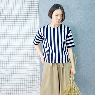 hikidashi round neck blue and white thick striped shoulder blouse
