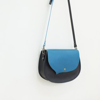 Small bangs left-handed leather cowhide saddle bag also has a right dial can be slanted back Prussian blue + magic black