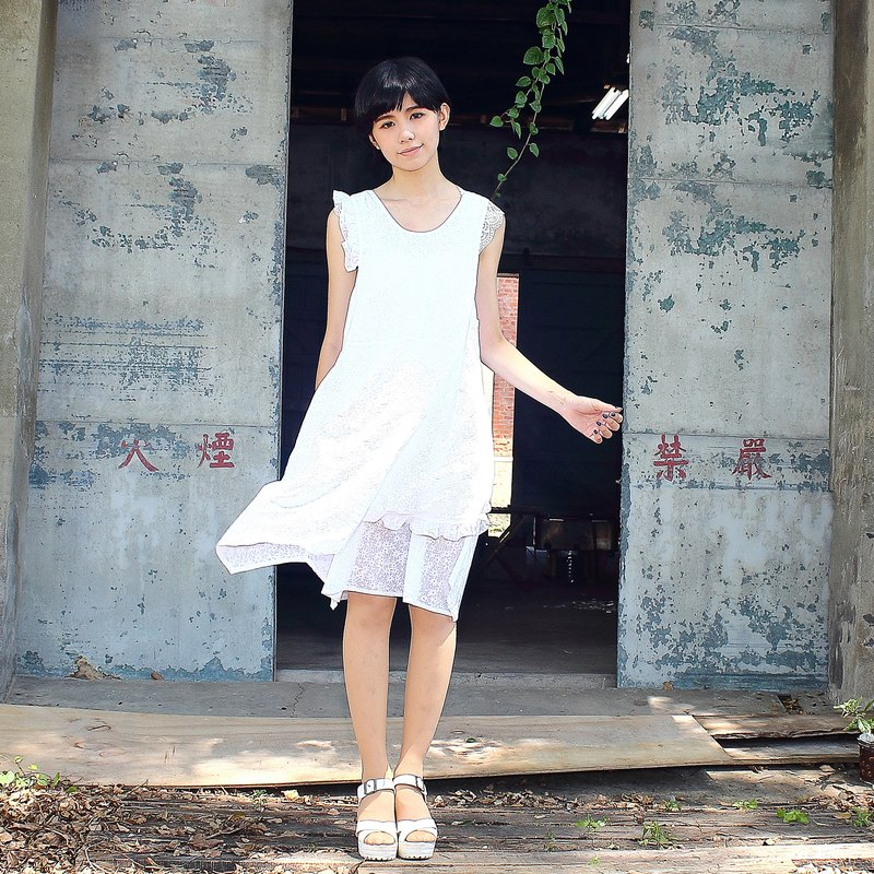 sundress/cloth's lace / little flower / white  dress