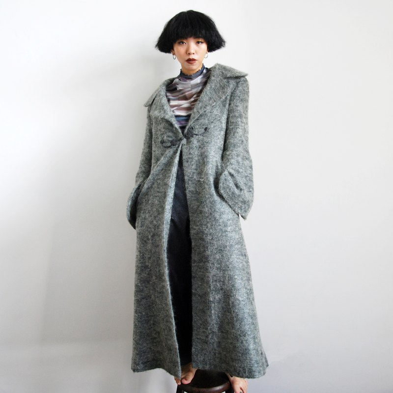 Pumpkin Vintage. Ancient classical buckle wide sleeve long coat coat