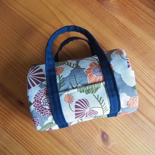 Grass & Ball Flower - Boston Cosmetic Bags / Travel Storage