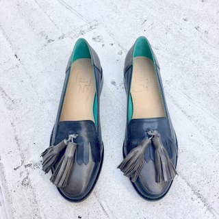 Painting # 8030 || waxed sheepskin Carrefour shoes swagged tassels blue-gray | |