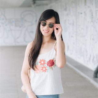 Lulu embroidery top