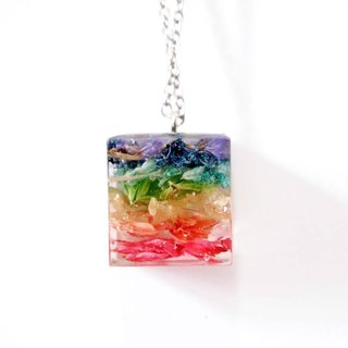 Colour Freak Studio Rainbow Dried Flower Necklace / Cube pendant / Flower In Ice Series