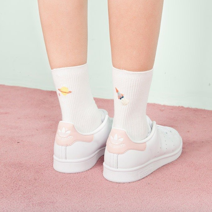 After Dear My Universe embroidery socks - white