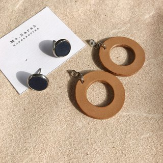 Leather earrings _ ear pin _ round frame No. 6 works #10_dark blue light brown