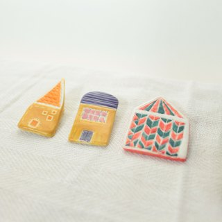 Dream House - Venetian church circus purple brooch three orange roof