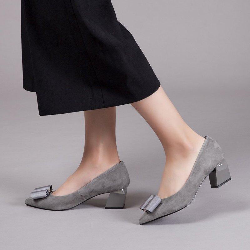 零碼-【時尚伸展台】大蝴蝶結全真皮幾何造型跟鞋_優雅淺灰