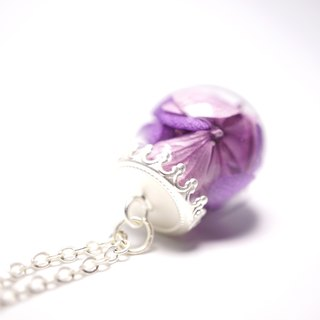 A Handmade purple hydrangea tone glass ball necklace