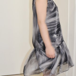 Flat 135 X Taiwan Designer Grey Smoke Totem Translucent Chiffon Two-Piece Sleeveless Dress
