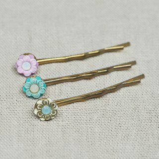 Small Daisy Flower Gold Hair Pin \ Swarovski Crystal \ Pink \ Mint \ Beige