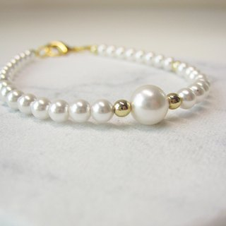 Swarovski Crystal White Pearl Bracelet / Wedding Jewellry / Bride / Bridemaid