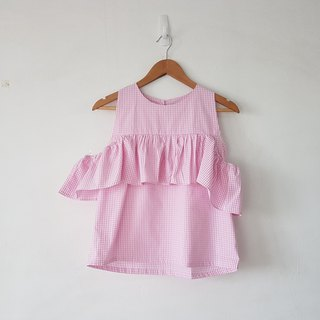 Gingham top in baby pink