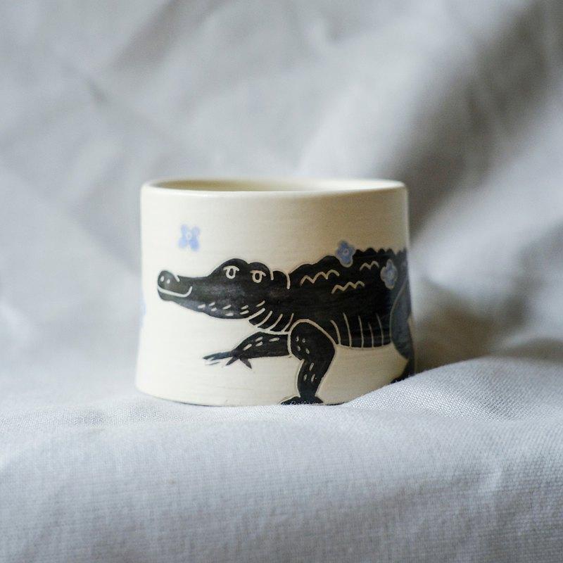 鱷魚散步 豬口杯