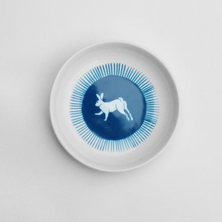 Rabbit pattern saucer
