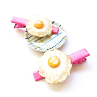 Fried egg hairclip pink